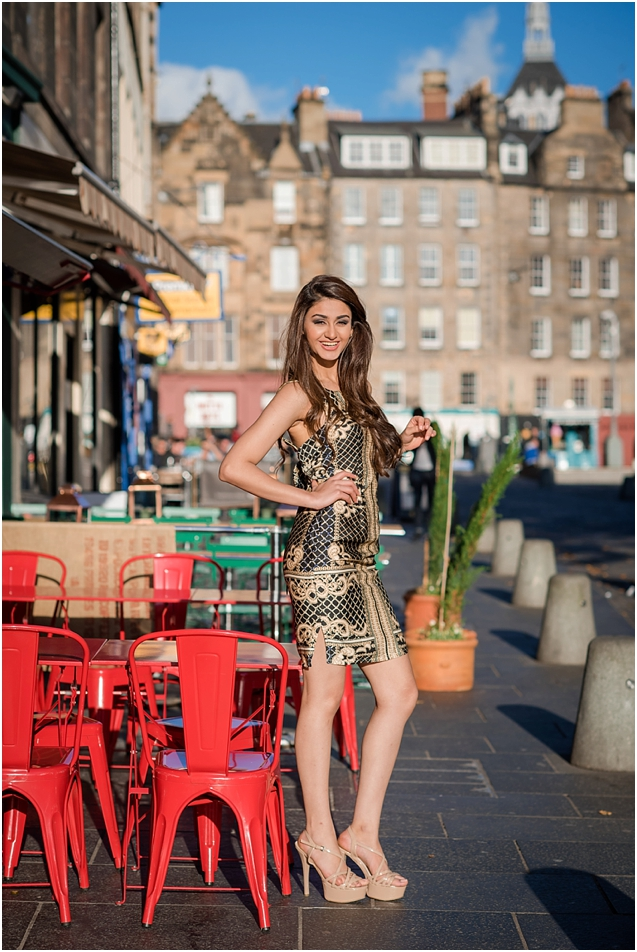 Miss India injecting a bit of glamour into the Grassmarket!